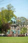 Statue of Prince Albert in the centre of Charlotte Square, Edinburgh — Stock Photo