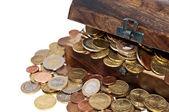 Skattkista med mynt — Stockfoto