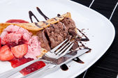 Mixed Strawberry and Chocolate Ice Cream — Stock Photo