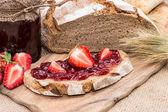 Strawberry Jam with fresh fruits — Stock Photo