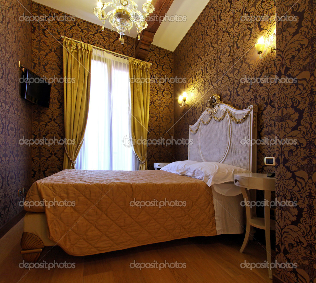 Rococo style interior bedroom with elegant bed — Stock Photo #11353668