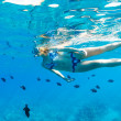 Woman Snorkeling in Tropical Ocean — 图库照片