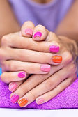 Bright stylish manicure — Stockfoto