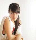 Jeune femme studio — Photo