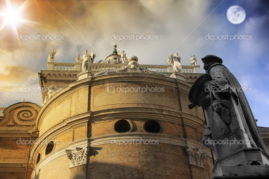 Concept architecture landscape of ancient building with statues where day and night meet — Stock Photo #11412593