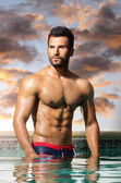 Uomo con abs — Foto Stock