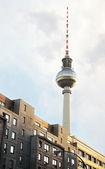 Edificios y torre de televisión en berlín — Foto de Stock