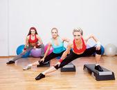 フィットネス クラブの 3 人の女の子 — ストック写真