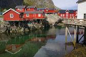 červená rorbu rybářské chaty — Stock fotografie