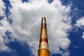 Alta chimenea — Foto de Stock