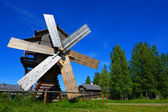 Wind wooden mill in a sunny day — Foto de Stock