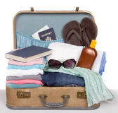 Packed vintage suitcase — Stockfoto