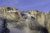 Granite peaks in Yosemite — Stock Photo