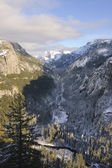 Yosemite valley and the Merced river — Stock Photo
