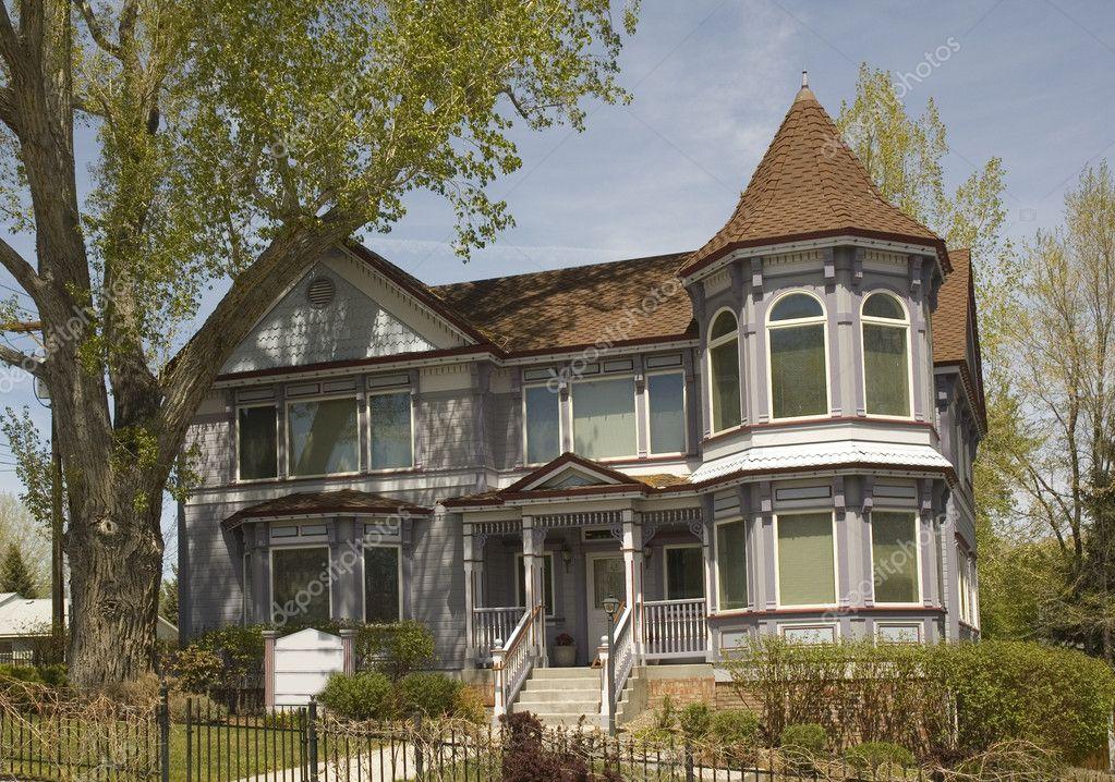 vieille maison victorienne photographie jeffbanke 11111130. Black Bedroom Furniture Sets. Home Design Ideas