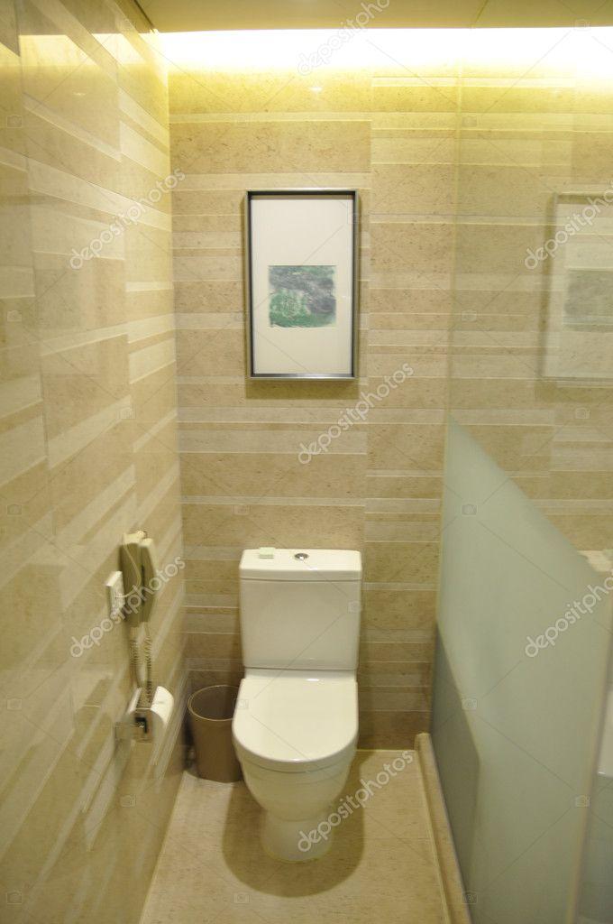 Toilettes de lhôtel — Photographie momoleif © #11153619