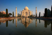Sunrise Taj Mahal Reflection Center — Stock Photo