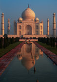 Taj Mahal Red Sunrise Fountain Reflection — Stock Photo