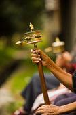 Preghiera tibetano mani della rotella di filatura — Foto Stock