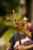 Tibetan prayer wheel mani spinning — Stockfoto
