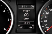 Start Stop technology indicator in dashboard — Stock Photo