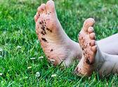 грязные ноги — Стоковое фото