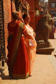 Hindu women in Durbar Square in Patan, Nepal — Stock Photo