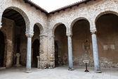 столпы в церкви атриум евфразия в порече, хорватия — Стоковое фото