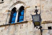 Starożytne latarni w priori kwadrat w volterra w toskanii, to — Zdjęcie stockowe