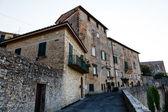 Volterra toskana, i̇talya kasabasında ortaçağ caddesi — Stok fotoğraf