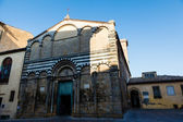 Ornate White and Black Church in Volterra, Tuscany, Italy — Stock Photo
