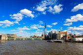 Thames River and Southwark Bridge in London, United Kingdom — Stock Photo