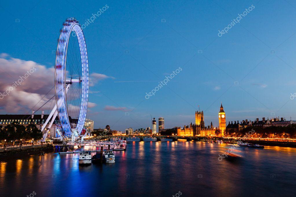 Ojo de londres el puente de westminster y el big ben en la noche
