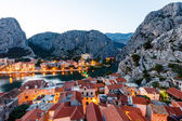 Aerial View on Illuminated Town of Omis in the Evening, Croatia — Stock Photo