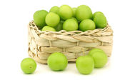 Fresh jujube fruit (Ziziphus jujuba) in a woven basket — Stock Photo