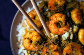 Curry Prawns with Rice - Macro and Black background 04 — 图库照片