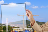 Mano de la secretaria muestran un crecimiento arriba flecha con ba del sitio de construcción — Foto de Stock