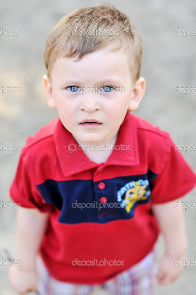 Distressed child — Stock Photo #11045147