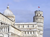Leaning tower of pisa and cathedral — Stockfoto