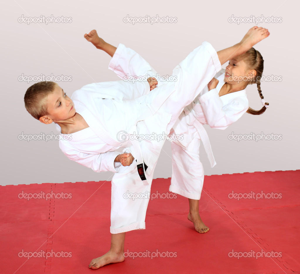 Beautiful sport karate kids — Stock Photo #11574824