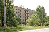 Abandoned apartment building — Стоковое фото
