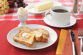 Cinnamon toast with a 3 minute egg — Stock Photo