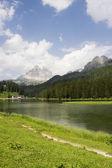 Sjön av dolomiterna — Stockfoto