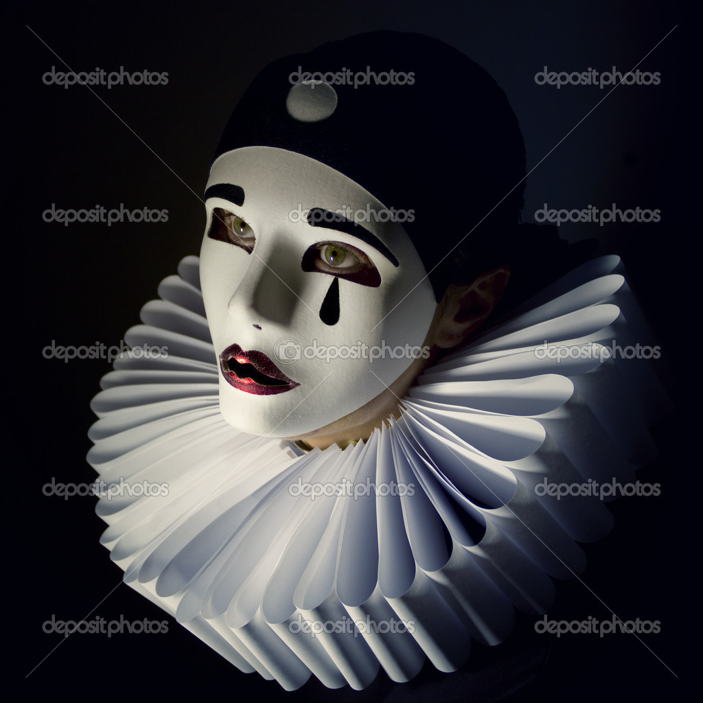 Girl with mask pierrot — Stock Photo #11560970