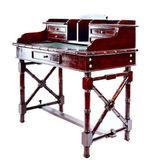 Antieke bureau met kasten — Stockfoto