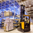 Worker on forklift - Foto Stock