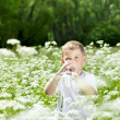 Child drinking pure water — Foto Stock