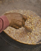 Boiling peanuts — Stock Photo