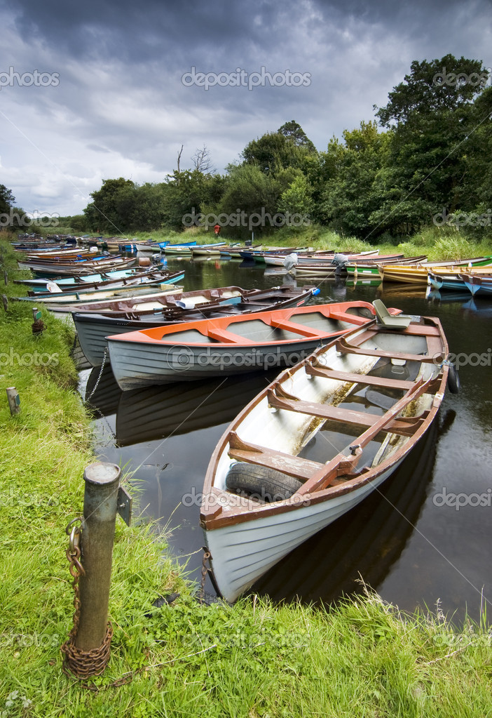 Moored boats on river in Killarney National Park, Ireland — Stock Photo #10954442