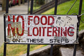 No food or loitering sign in Portland Oregon — Stock Photo